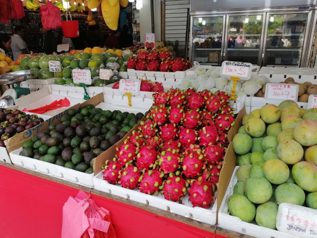 Stragan z owocami