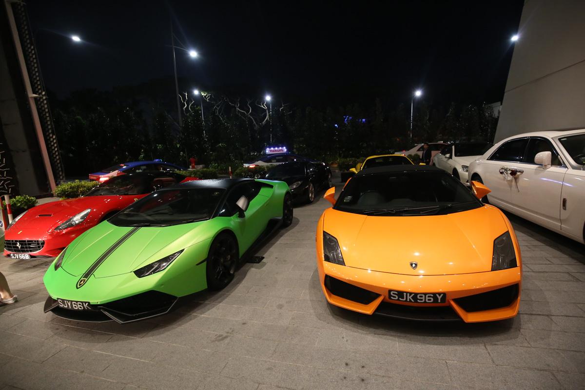 Samochody w Singapurze